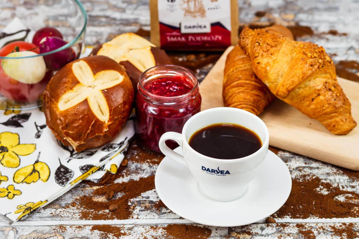 Picie kawy po śniadaniu
